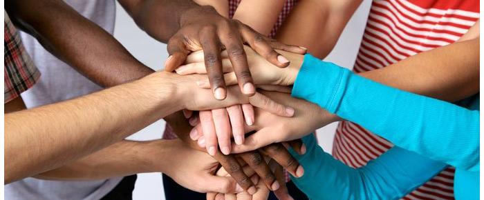 manos solidaridad